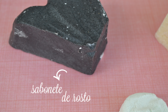 lush-sabonete-rosto